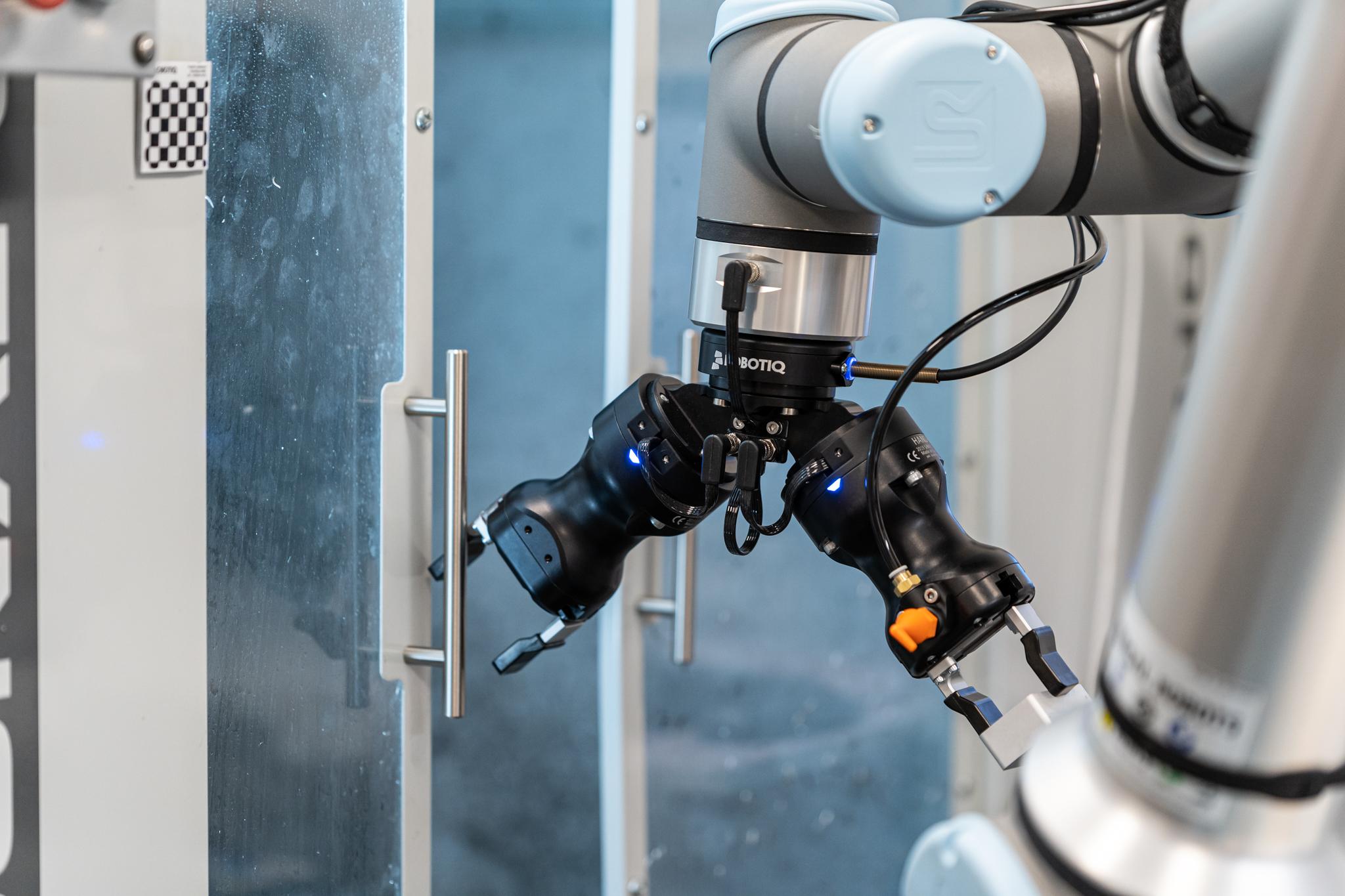 Robotiq CNC Machining kit